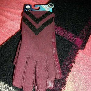 PREOWNED SCARF NEW ISOTONER GLOVES REG 48.00  L/XL